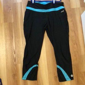 Capri black and blue leggings
